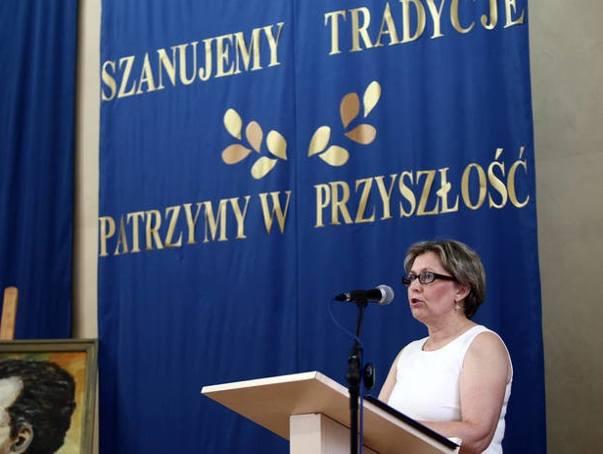 """Uroczystość w XXI LO i portret jego patrona - Bolesława Prusa. A na kolejnych slajdach """"żarty"""" z użyciem Google Maps. Przeczytaj też"""
