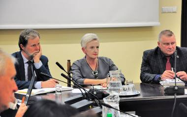 Prezydent Sabina Nowosielska podczas debaty z mieszkańcami na temat jakości powietrza.
