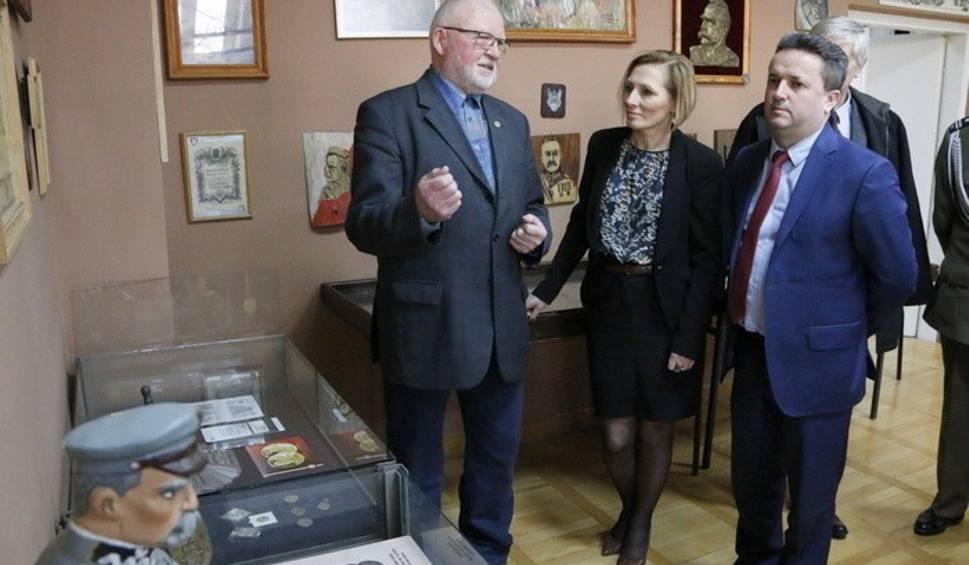 Film do artykułu: Muzeum Ziemi Staszowskiej zaprasza do oglądania wystawy z okazji 100 - lecia odzyskania niepodległości