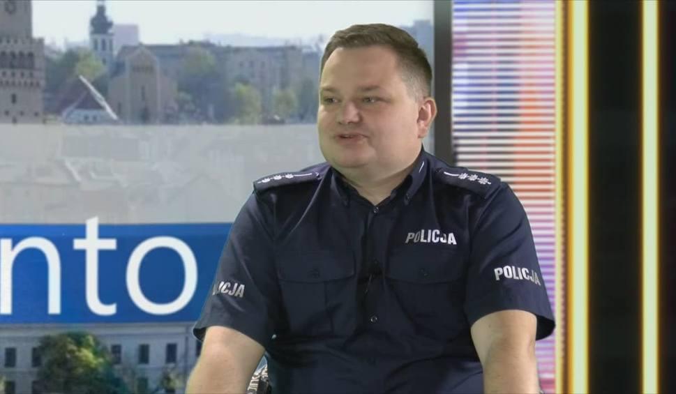 Film do artykułu: Rapujący policjant z Opola szokuje. Pokazuje nagą prawdę o służbie