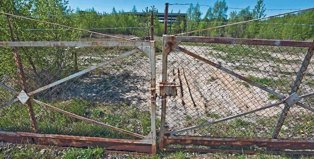 Ruiny szpitala, dawny psychiatryk w Koszalinie. Marszałek wciąż szuka chętnego na kupno