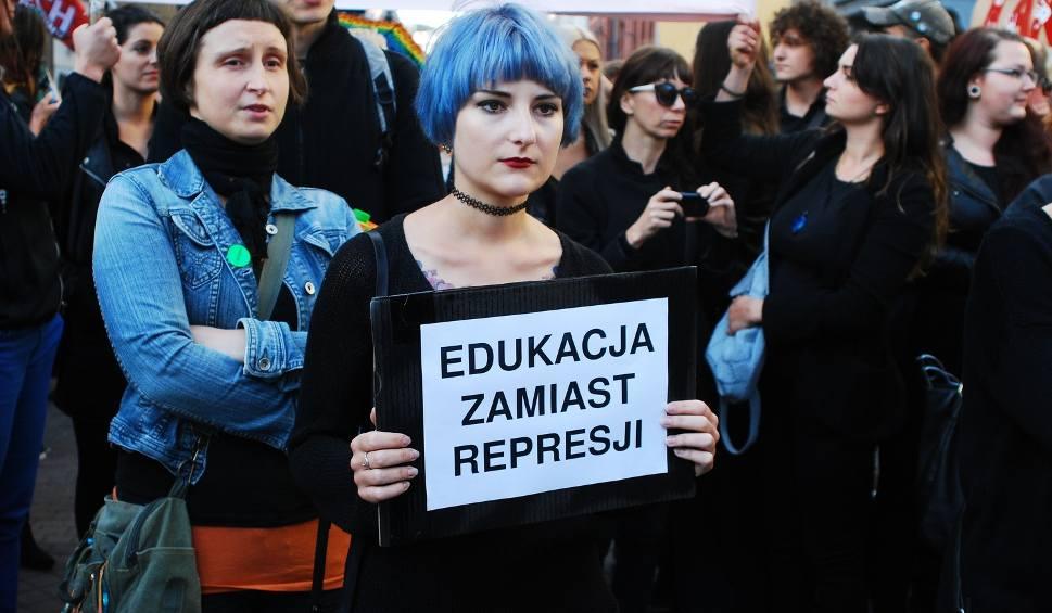 Film do artykułu: Czarny protest w Katowicach ZDJĘCIA + WIDEO