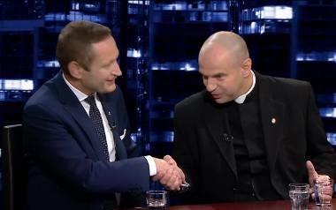 Paweł Rabiej z Nowoczesnej i ks. Przemysław Drąg, dyrektor Krajowego Ośrodka Duszpasterstwa Rodzin KEP