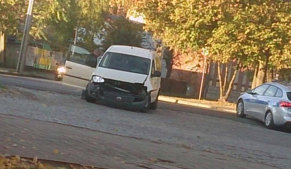 Film do artykułu: Kolizja w Sulechowie. Zderzyły się volkswagen i bmw. Na szczęście nikomu nic się nie stało [ZDJĘCIA]