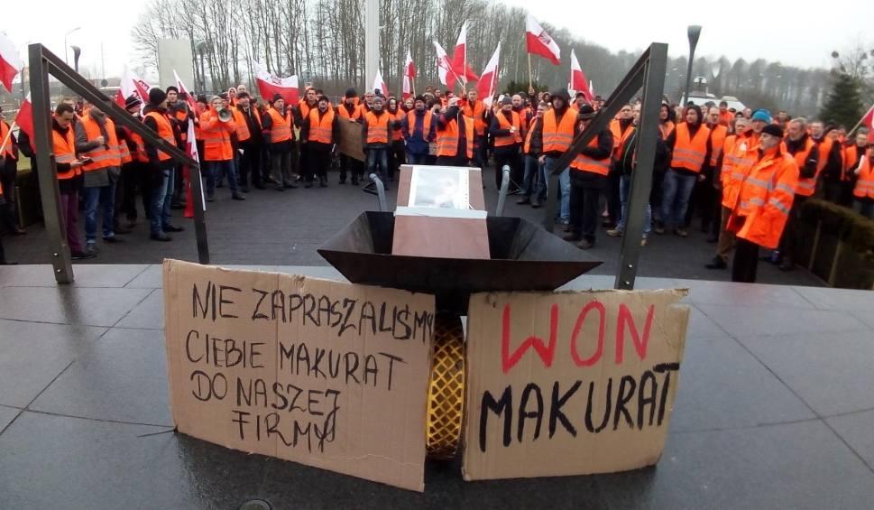 Film do artykułu: Protest w Lotosie zawieszony. Nie ma porozumienia [WIDEO]