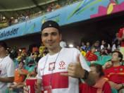 Adam Patora na stadionie w Salvadorze.