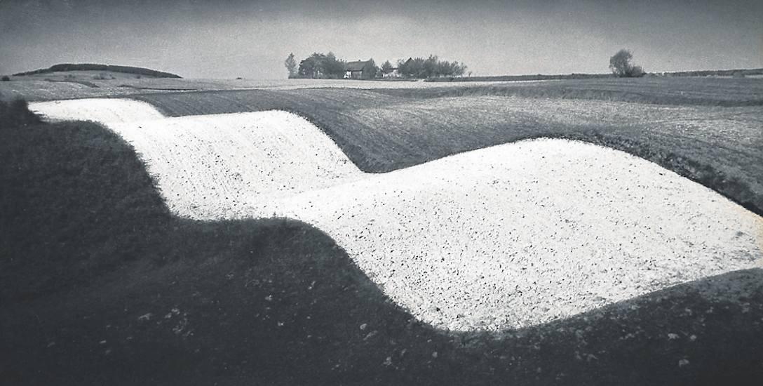 Krajobraz falisty, zdjęcia Pawła Pierścińskiego z 1958 roku