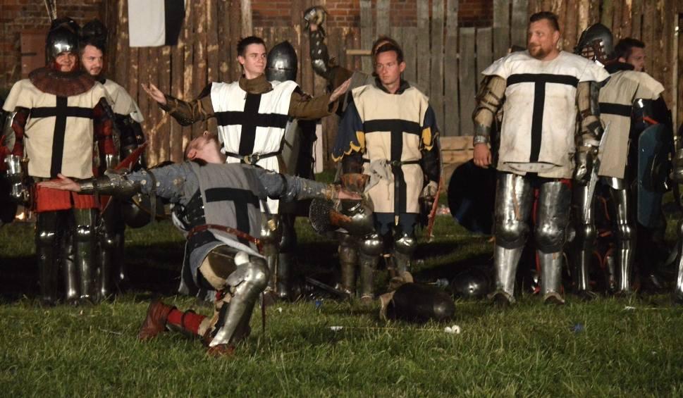 Film do artykułu: Trwa Oblężenie Malborka 2019, wielka średniowieczna impreza. Piątkowa inscenizacja walk o zamek [WIDEO, ZDJĘCIA]