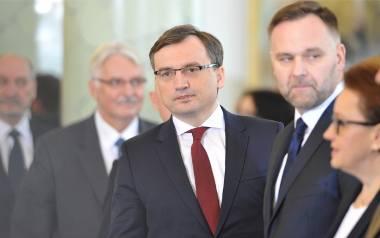 """Ziobro zaskoczony orzeczeniem prokuratury ws. ekstradycji Romana Polańskiego. """"Zbadamy tę decyzję"""""""