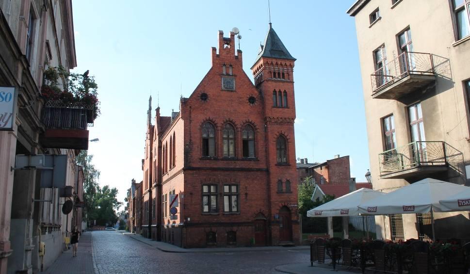Film do artykułu: Życzenia dla chełmżyńskiego ratusza i pierwsze podsumowanie toruńskiej kolei elektrycznej [RETRO]