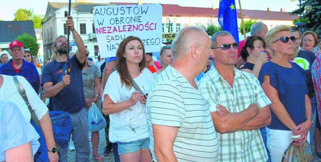 W obronie niezależności sądów protestowali nie tylko mieszkańcy Białegostoku, ale i np. Augustowa