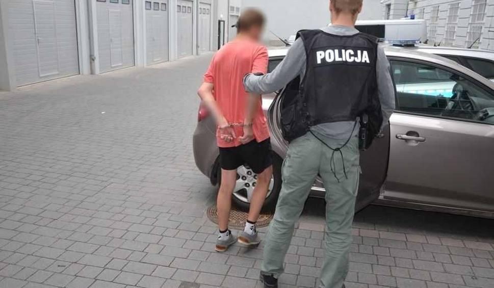 Film do artykułu: Gdańsk Orunia. Dwaj mężczyźni zaatakowali i okradli 54-latka