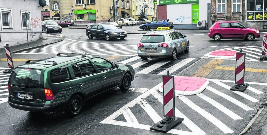 Prace wykończeniowe na skrzyżowaniu na Szwederowie mają zakończyć się ostatecznie w połowie grudnia