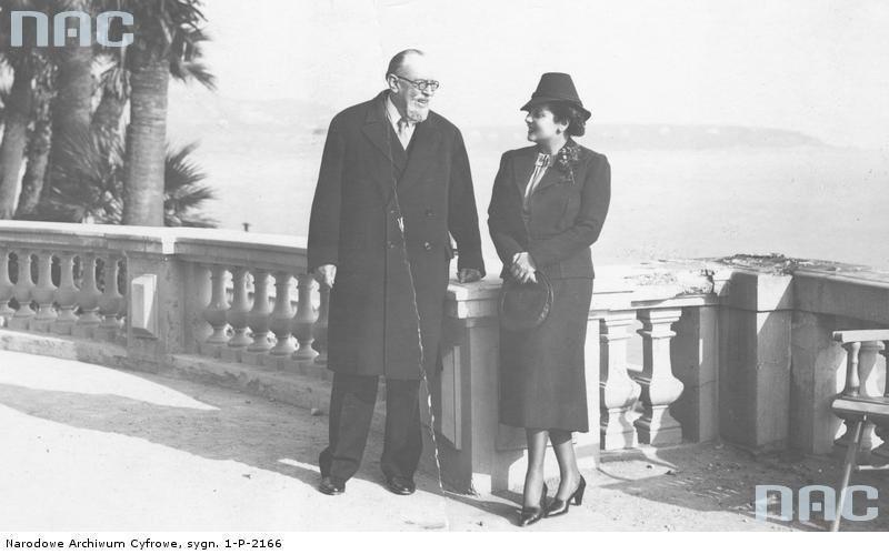 Książę Michał Radziwiłł z narzeczoną Jeanette Suchestow na tarasie w Monte Carlo [1]