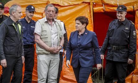 """Beata Szydło o materiale """"Superwizjera"""" TVN: Obrzydliwe kłamstwo. Chodzi o spotkanie z neonazistami i gangsterami w Rytlu"""