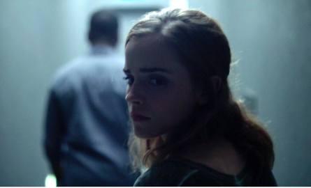 """Emma Watson chyba ostatecznie pozbyła się """"potterowskiej"""" minoderii i w roli Mae Holland wypadła bardzo dobrze, pozostawiając nadzieję, że będzie coraz"""