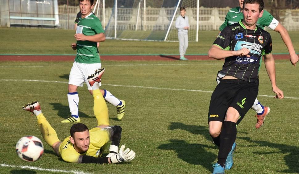 Film do artykułu: W sobotę grają piłkarze Staru Starachowice. Ilu będzie kibiców?