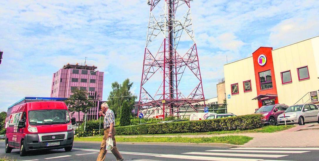 Mimo zapewnień mieszkańcy Pobłocia obawiają się, że wieża może negatywnie wpłynąć na ich zdrowie. Ze stacjami bazowymi GSM walczyli też mieszkańcy w