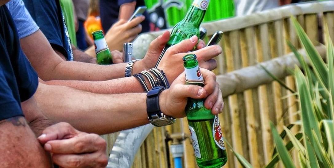 Alkohol w miejscach publicznych. Samorządy biorą się za alkohol. A Białystok jeszcze rozmyśla