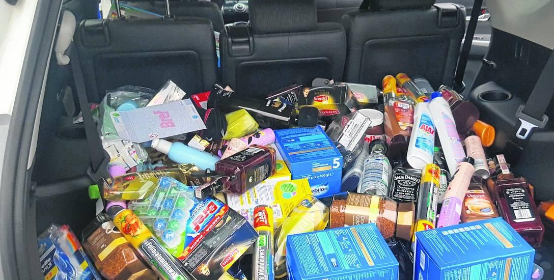 Te rzeczy padły łupem złodzieja, który został zatrzymany przed hipermarketem.