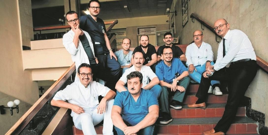 Lekarze ze szpitala Jurasza w oryginalny sposób zachęcają mężczyzn, by zbadali swój układ moczowo-płciowy. Na bezpłatne konsultacje zapraszają w gru