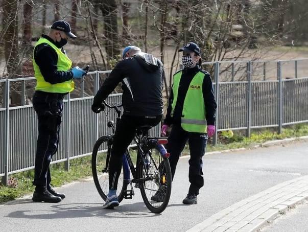 Śląska policja: tylko w ciągu ostatniej doby 237 mandatów, 317 pouczeń