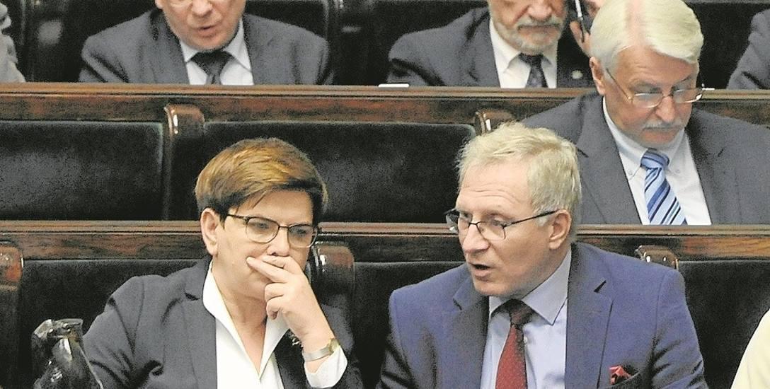 Tomasz Latos ma posłuch u premier Beaty Szydło, ale kilka jego decyzji personalnych zaskoczyło...