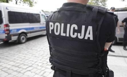 Komendant policji w Zawierciu odwołany. Bronił policjantów. Komendant wojewódzki odwołał go, mimo uniewinnienia przez KGP