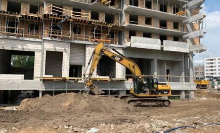 Białystok: Wypadek na budowie przy ul. Wierzbowej. Śmierć robotnika. Prawdopodobnie spadł z wysokości [ZDJĘCIA]