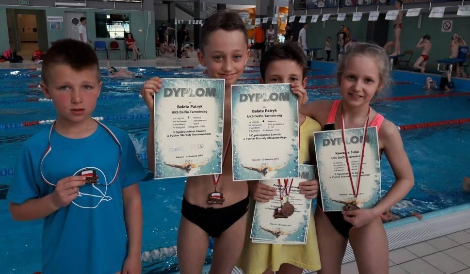 Film do artykułu: Udany występ młodych pływaków Delfina Tarnobrzeg w Staszowie