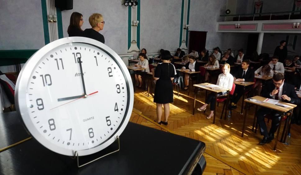 Film do artykułu: Operon Matura Próbna 2018. Kiedy jest próbna matura? Matura próbna z Operonem [LISTOPAD 2018] - 23.11.2018