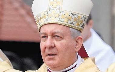 Abp Juliusz Paetz zmarł w piątek, w wieku 84 lat. W dniu jego śmierci poznańska kuria wydała komunikat, że zostanie pochowany w katedrze. Daty pogrzebu