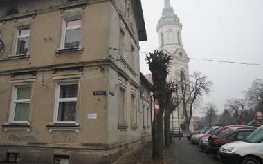 Nazwa Nowe Miasteczko pojawiła się w ogólnopolskim spocie wyborczym. Wystąpił budynek z innej miejscowości, a dziennikarka nigdy tutaj nie była