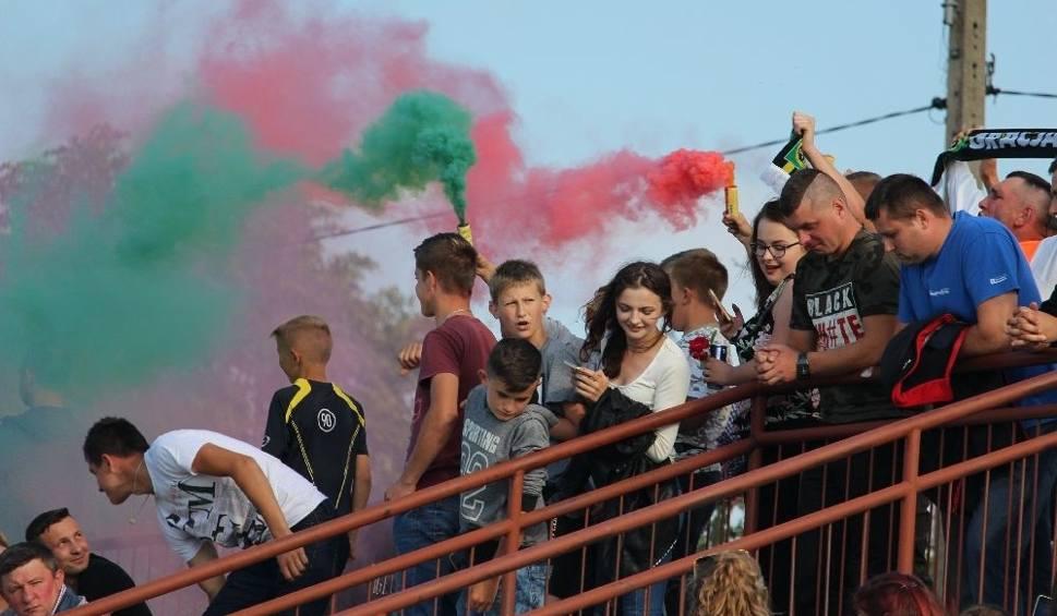Film do artykułu: Niesamowity klimat meczu w klasie A. Tczów i Policzna grały o awans