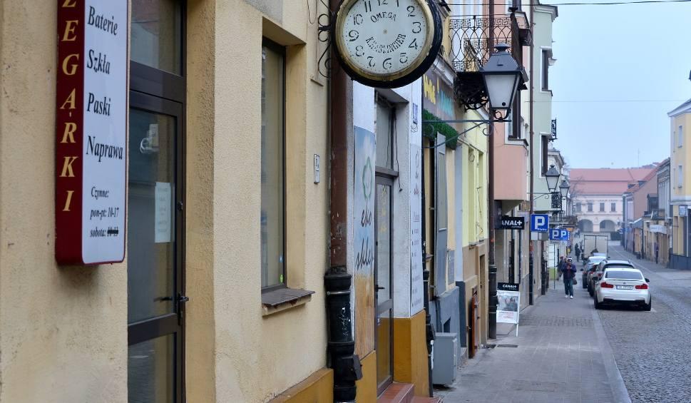 Film do artykułu: Słynny zakład zegarmistrzowski z wielkimi tradycjami, działający ponad 140 lat w Kielcach  przy ulicy Małej został zamknięty. Dlaczego?