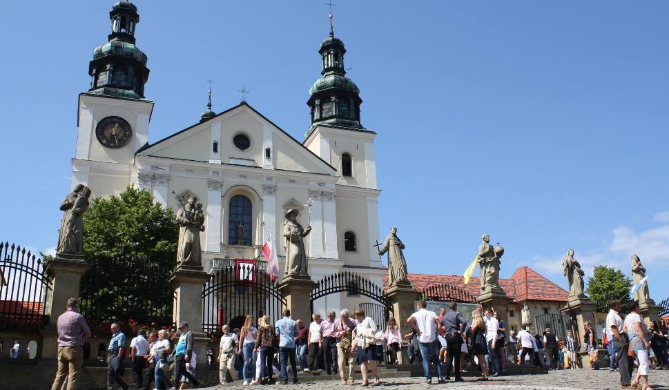 Film do artykułu: Kalwaria Zebrzydowska. Sanktuarium od 20 lat jest pod ochroną UNESCO. To duma, ale czasem też problem