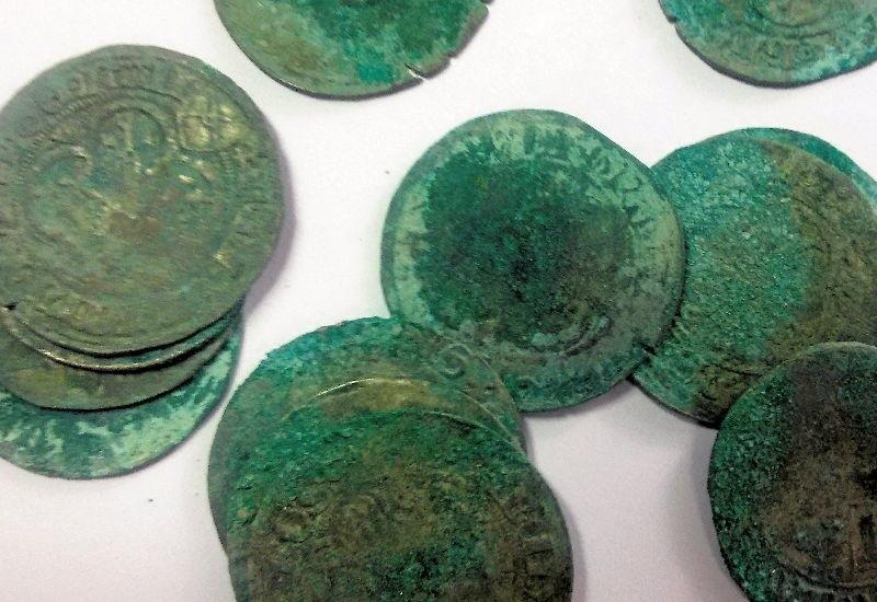 Lwią część skarbu z Guzowa stanowią srebrne halerze