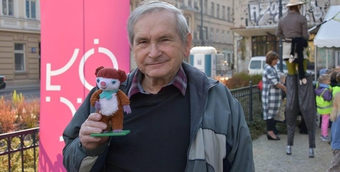 Tadeusz Wilkosz z Colargolem wykonanym specjalnie na wczorajszą uroczystość.
