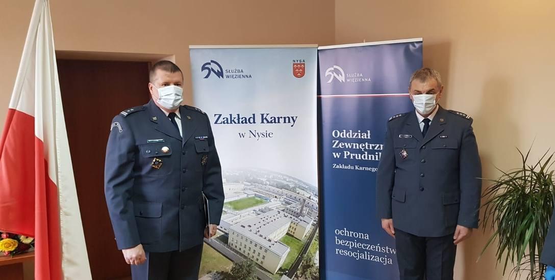 Od lewej Tomasz Pyra i Artur Koczerba, Dyrektor Okręgowy SW w Opolu