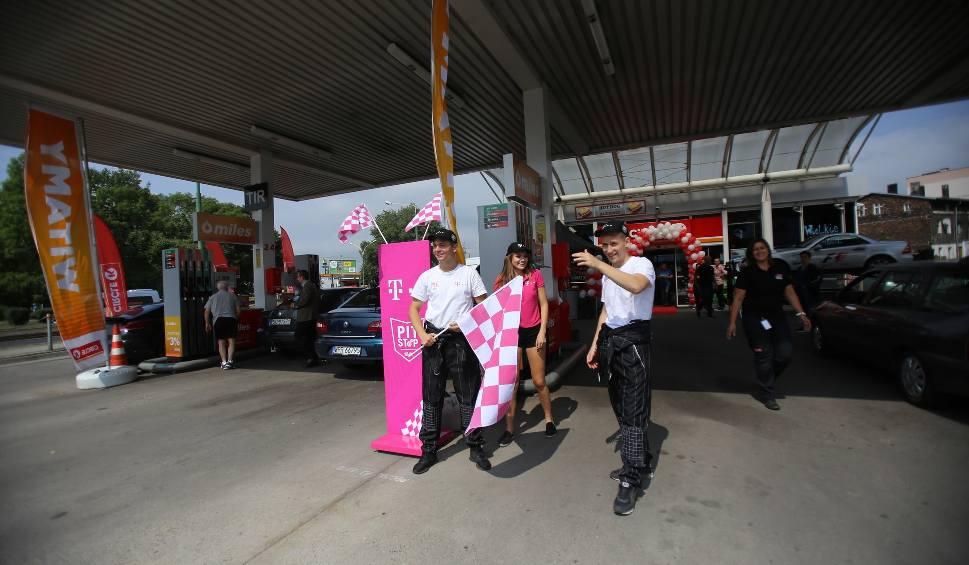Film do artykułu: Stacje Circle K paliw w Katowicach i Sosnowcu otwarte. Są rabaty na paliwo ZDJĘCIA