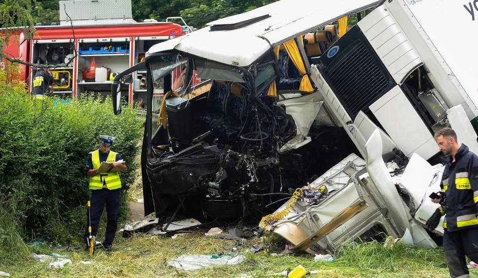 Film do artykułu: Wypadek w Tenczynie. Absurd z RODO. Nie mogli znaleźć dziecka