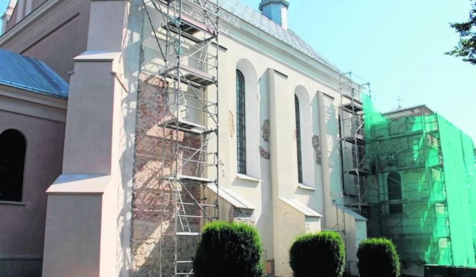 Film do artykułu: Warka. Trwa remont zabytkowego kościoła farnego