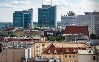 """""""Raport o polskich metropoliach: Poznań"""" to już czwarta publikacja grupy PwC ukazująca szanse i wyzwania, jakie stoją przed dużymi"""