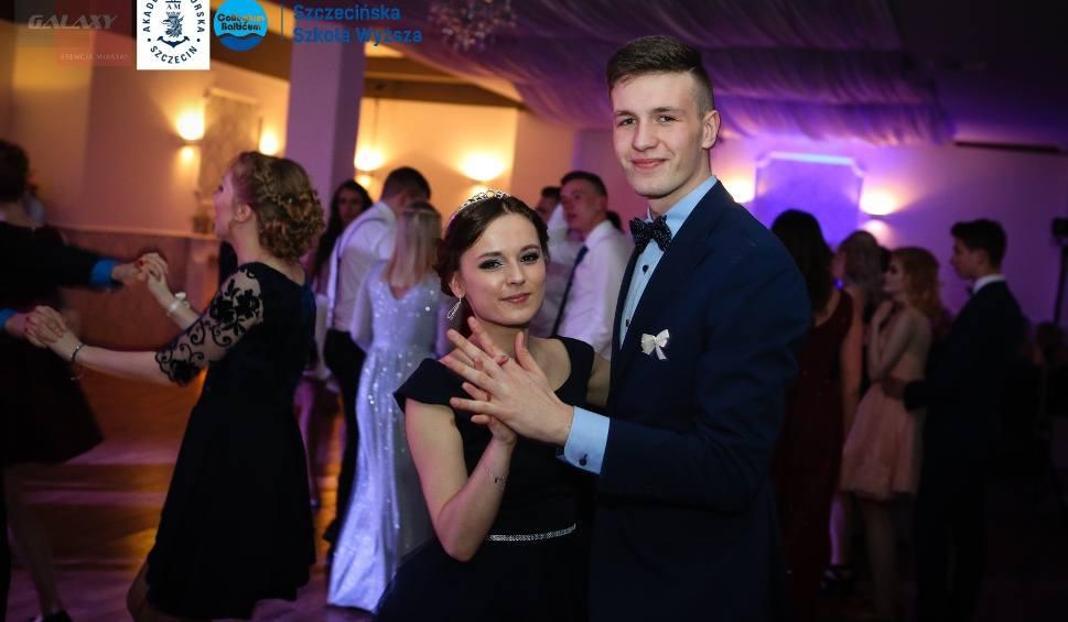 Film do artykułu: Studniówki w Szczecinie: Najpiękniejsze i najbardziej roztańczone pary [ZDJĘCIA]