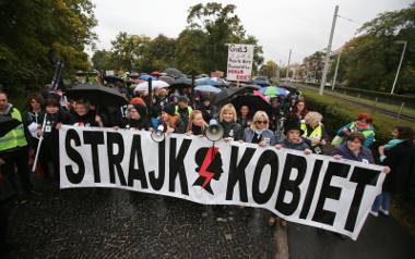 Ratujmy Kobiety! Protesty przed siedzibami PiS przeciw zaostrzeniu prawa aborcyjnego
