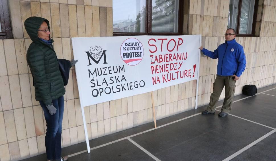 Film do artykułu: Ludzie kultury protestowali w Opolu. Chcą wyższych pensji
