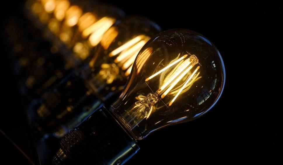 Film do artykułu: Brak prądu w Lubuskiem maj 2020. Sprawdź, w których miejscowościach nie będzie prądu w najbliższych dniach i kup świeczki już dziś