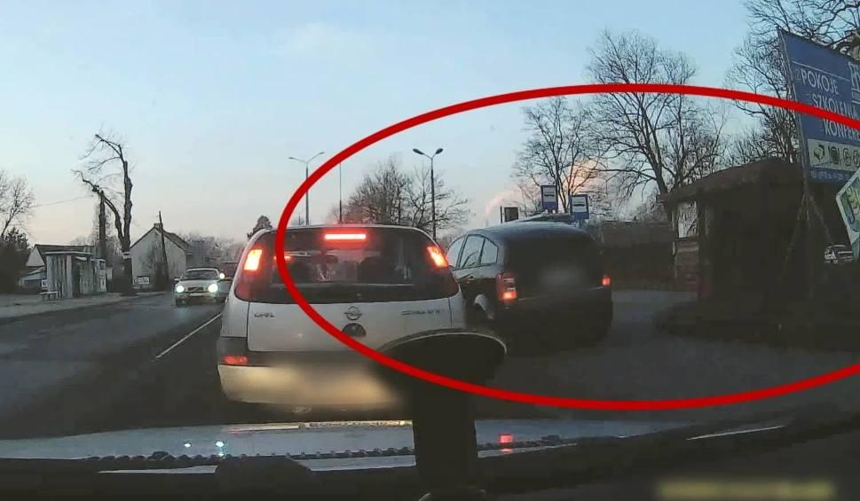 Film do artykułu: Opolski Pirat. Kierowcy audi się spieszyło, więc omijał auta, jadąc po chodnikach
