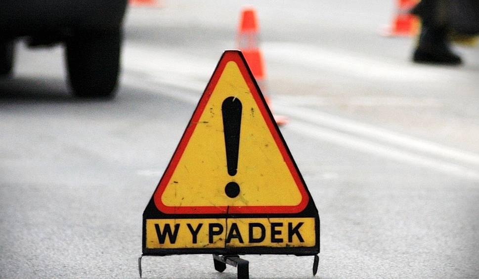 Film do artykułu: Wypadek na S1 przy zjeździe na Mysłowice. Zderzyły się dwa samochody