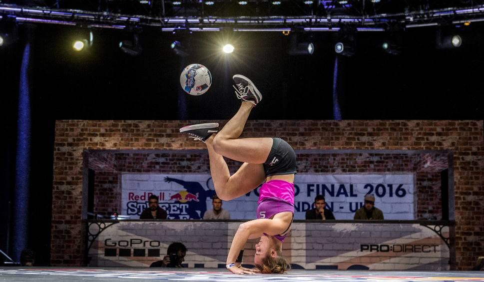 Film do artykułu: Polska gospodarzem światowego finału Red Bull Street Style. Elita freestyle footballu zmierzy się w listopadzie w Hali Gwardii